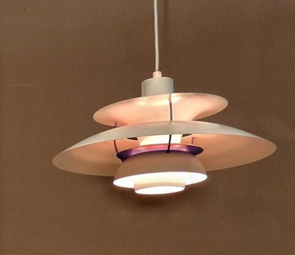 Lampada Arne Jacobsen